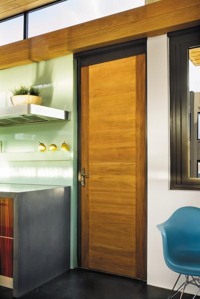 Jeld-Wen-contemporary-wood-interior-door.800x600f